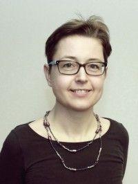 Dr Fruzsina Gárdos-Orosz