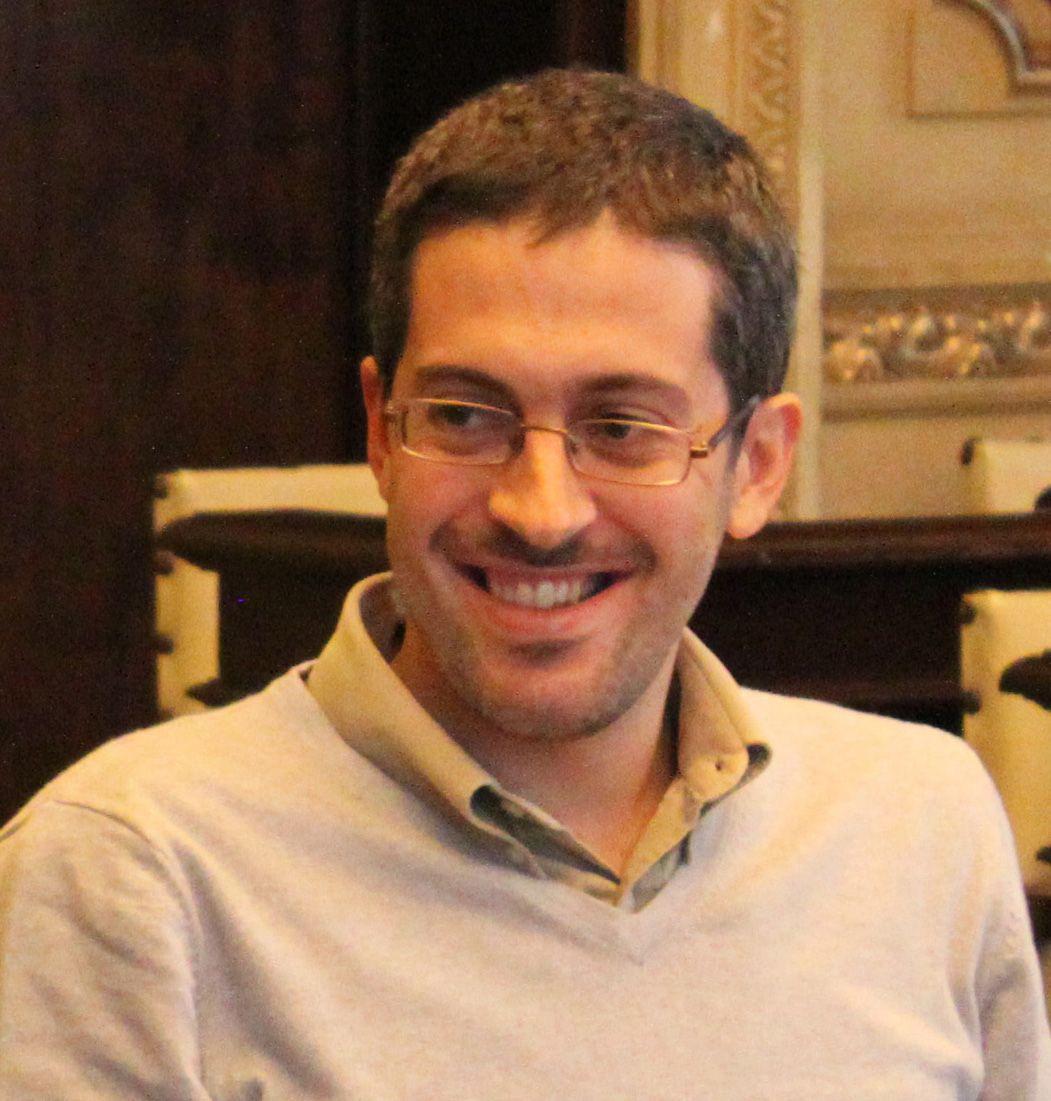 Dr Conrado Hubner Mendes