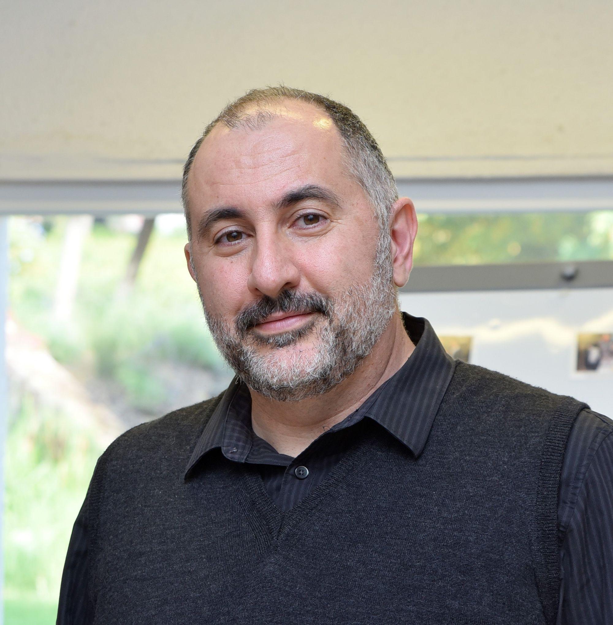 Dr Avishai Benish